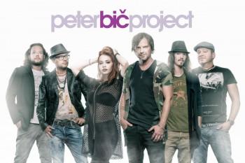 Peter Bič Project predstavuje videoklip k hudobnej novinke Skúšame sa