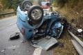 TRAGICKÁ NEHODA: Mladíka vymrštilo z auta, potom ho zakliesnilo