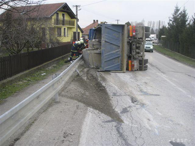 Prevrátený kamión