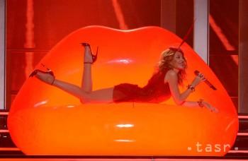Kylie Minogue sa na šou v Bratislave sedemkrát prezliekla
