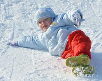 Svetový deň snehu si na Bukovej hore užili desiatky detí
