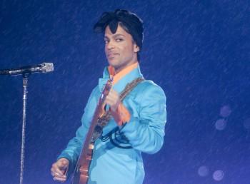 Oscara za svoju skladbu Purpurový dážď dostal Prince v roku 1985
