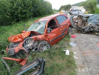0e46b8127 Pri nehode pri Bzinciach pod Javorinou vyhasol život 55-ročného muža