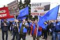 Nespokojní východniari žiadali v Košiciach vyššie platy