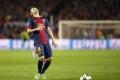 Barcelona vyhrala vo Valencii, ale prišla o zraneného Iniestu