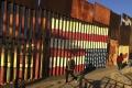 Filmári nakrútili filmy o múre na hranici medzi USA a Mexikom