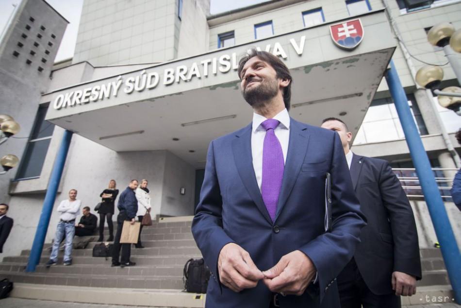 VIDEO: Kaliňák vypovedal na pojednávaní s asistentom poslanca Rajtára