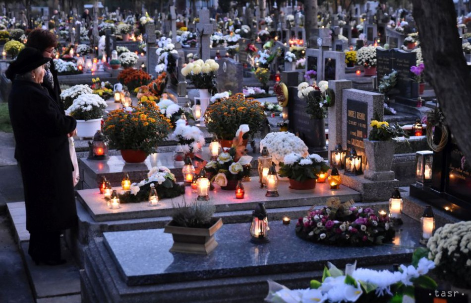 DUŠIČKY: Zlodeji sa nezastavia pred ničím, úradujú aj na cintorínoch
