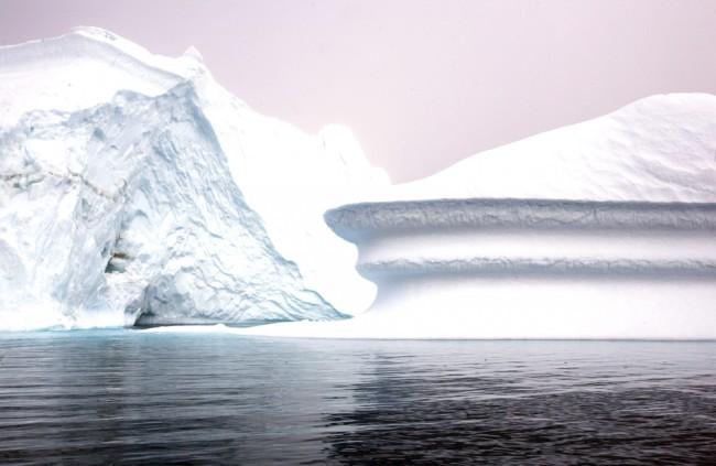 Vedci objavili v arktickom snehu enormnú koncentráciu mikroplastov