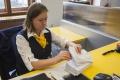 Posielanie balíkov by malo byť lacnejšie, pošta bude meniť ceny