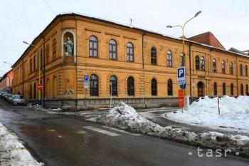 Študenti Gymnázia Konštantínova sa presadili v umení,športe i politike