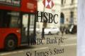 Európska komisia udelila trom bankám pokutu 485 miliónov eur