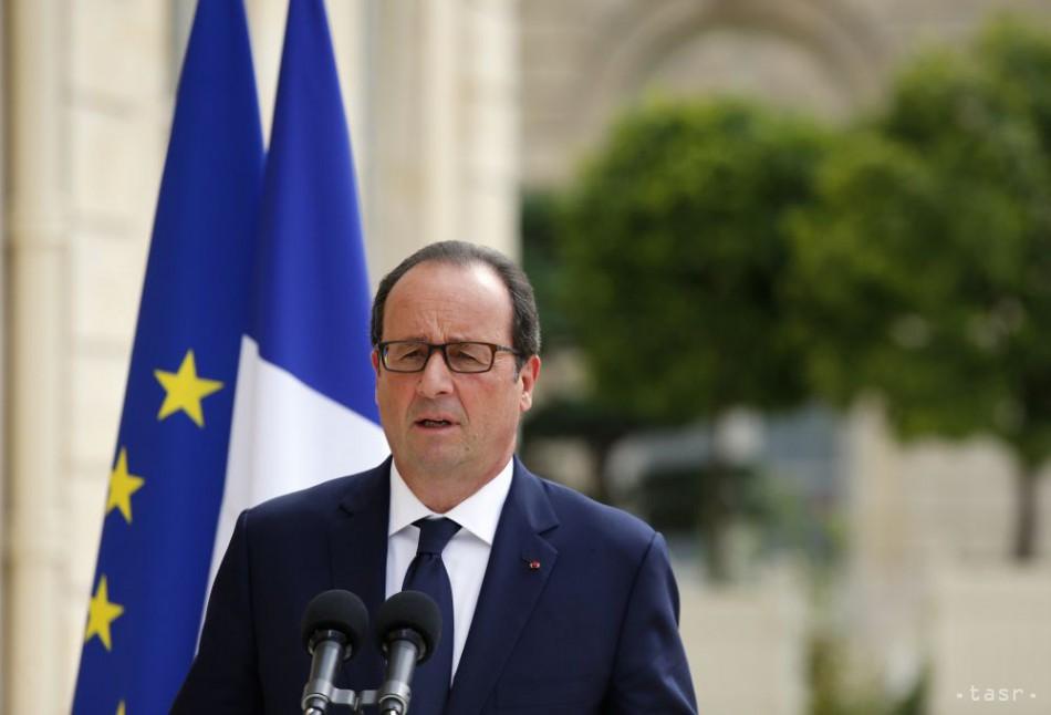 Hollande je za sprísnenie sankcií, ak Rusko nezmení svoj postoj
