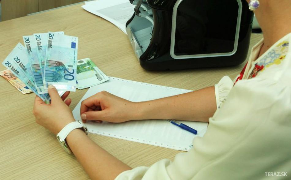 Stop pre dlhovú brzdu môže naštartovať zvyšovanie platov