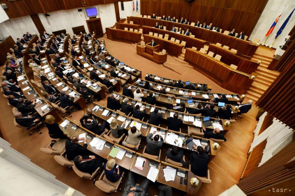 NAŽIVO: Predstavitelia opozície k reštrukturalizácii