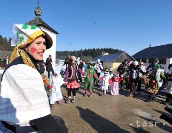 V Hnúšti sa s fašiangami rozlúčia sprievodom a pochovávaním basy