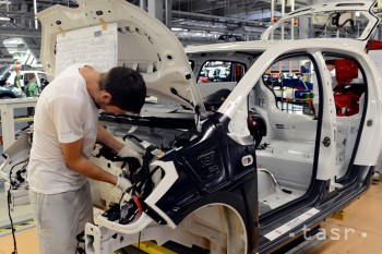 Takmer polovicu štúdia strávi 10 bakalárov v automobilovom priemysle