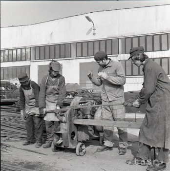 Po stopách minulosti: Podnikové Odborné učilište Doprasrav