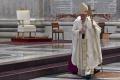 Pápež na Zelený štvrtok ocenil prácu kňazov a zdravotníkov