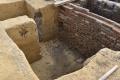 Archeológovia našli v Káhire časti kamenných dosiek spred 4000 rokov