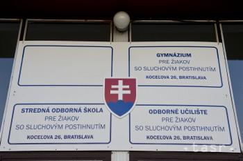 Odborné vzdelávanie sluchovo postihnutých v Bratislave má 70 rokov