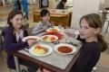 Podporiť správne stravovanie  môžu podľa odborníkov aj školy