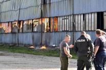Požiar priemyselnej haly v Trebišove