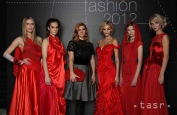 Renomovaní návrhári predviedli módu plnú čistej ženskej energie