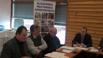 Slovenská rektorská konferencia má výhrady k národnému programu