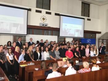 Slávnostné udelenie titulov Ambasádorská škola Európskeho parlamentu