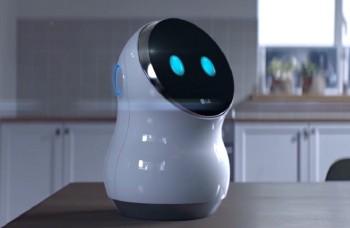 VIDEO: Nové roboty nahradia ľudí na letiskách, v hoteloch a obchodoch