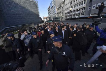 Polícia v Barcelone zasiahla proti prívržencom secesionistov