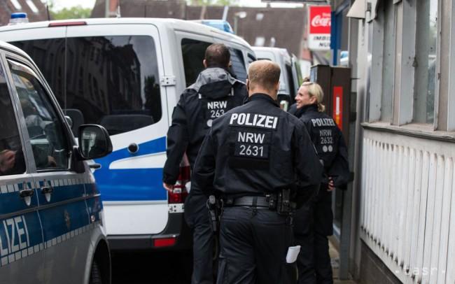 Muž v Nemecku vrazil autom do ľudí, viacero zranených