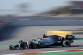 F1: Počas prvého dňa testov v Španielsku najrýchlejší Mercedes