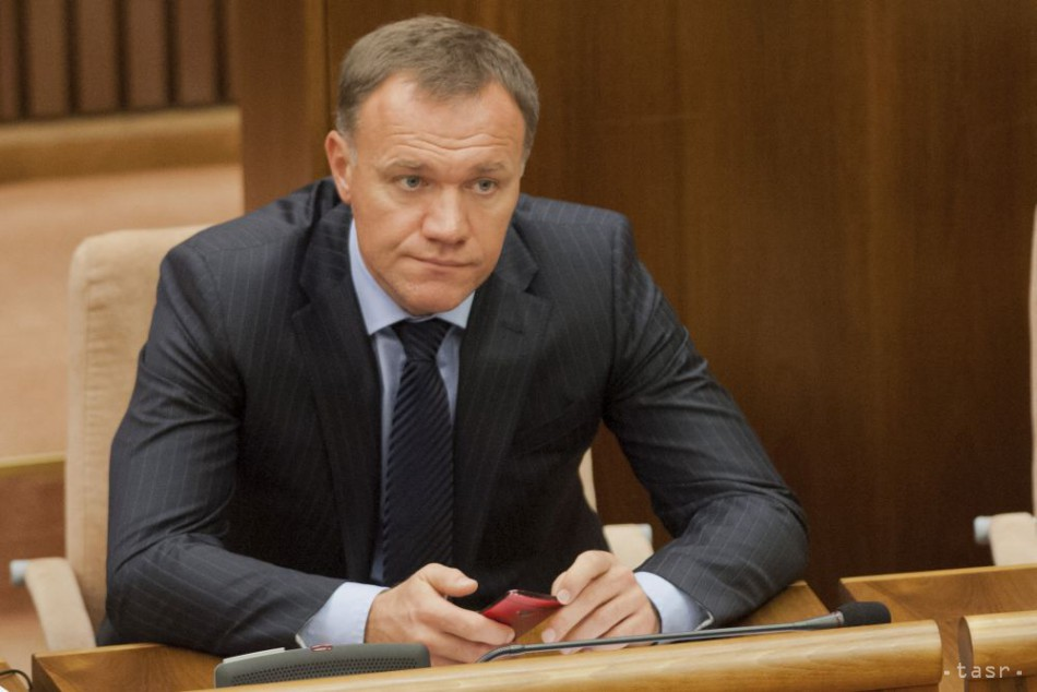 Opozícia bude odvolávať ministra zdravotníctva Viliama Čisláka