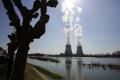 Do štrajku vo Francúzsku vstúpili aj zamestnanci jadrových elektrární