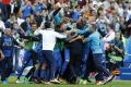 Taliani zdolali obhajcov titulu a mieria do štvrťfinále