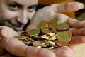 Polovica ľudí si na plnenie snov občas sporí, tretina si berie pôžičku