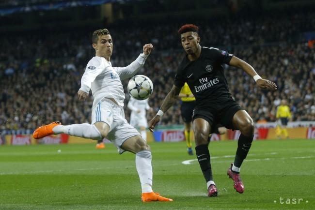 63d430e59c11e Na snímke útočník Realu Cristiano Ronaldo (vľavo) a hráč PSG Presnel  Kimpembe v 1. zápase osemfinále Ligy majstrov Real Madrid - Paris Saint  Germain v ...