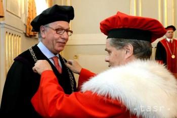UPJŠ udelila čestný doktorát šéfovi Benátskej komisie G. Buquicchiovi