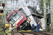 Zrážka vlaku s autom v Japonsku