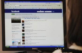 Bezpečnostný analytik: Musíme si uvedomovať, čo na Facebooku zdieľame