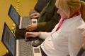 Kelly: USA by mohli rozšíriť zákaz laptopov na medzinárodné lety