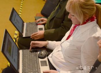 Žiaci, ktorí vypĺňali piatacký monitor elektronicky, boli úspešní