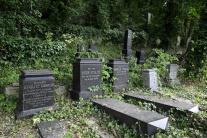 Dobrovoľníci čiastočne obnovili židovský cintorín