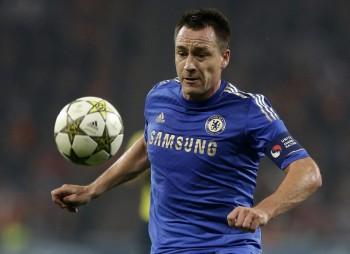 Terry chce zotrvať v Chelsea, ale vedenie klubu s ním nekomunikuje