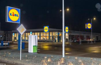 Lidl zásadne zvyšuje počet nabíjacích staníc pre elektromobily