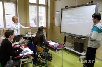 Učitelia sa v štrajku dostávajú do nedôstojnej situácie