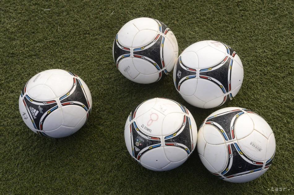 61ff3ae505024 Slovenský futbalový zväz zabezpečil prípravkám lopty