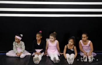 Balet je pre tieto malé dievčatká jediný spôsob, ako ujsť z pekla